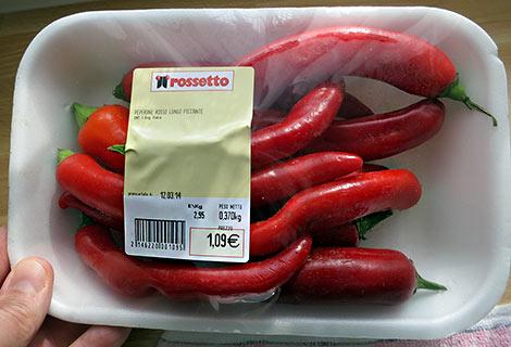 Saftige rote Chilis zum nicht-saftigen Preis