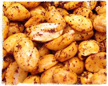 Scharfe Chiltepin-Erdnüsse
