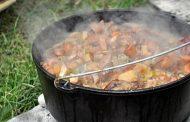 Rindergulasch aus dem Dutch Oven