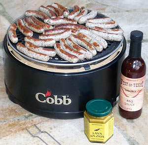 Würtl auf dem Cobb Grill