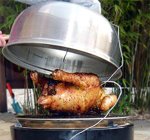 Hähnchen auf dem Cobb Grill