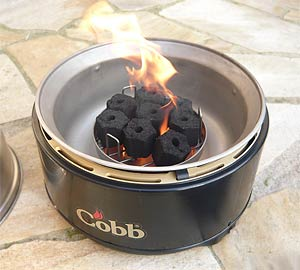 Cobb Grill mit Kokos-Briketts