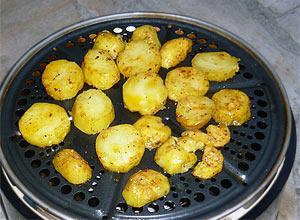 Cobb Grill macht auch Röstkartoffeln