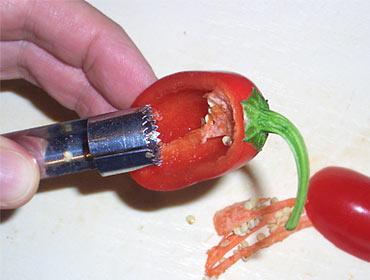 Apfel-Entkerner eignen sich auch für Chilis