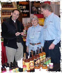 """""""Insane Dave"""" mit Harald und Renate Zoschke auf der Fiery-Foods Show"""