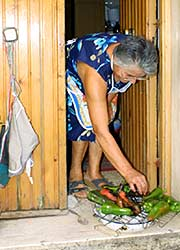 Pepper-Schoten vor der Haustüre geröstet