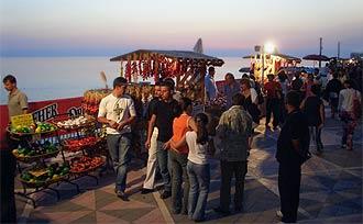 Sonnenuntergang - Das Peperoncino-Festival beginnt