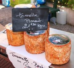 Mit Piment d'Espelette gewürzter Käse