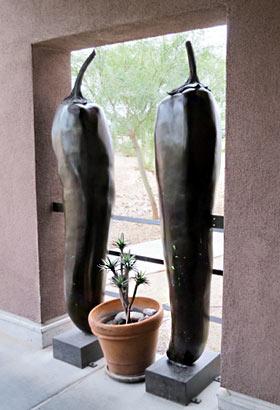 Chili-Skulpturen bei El Charro