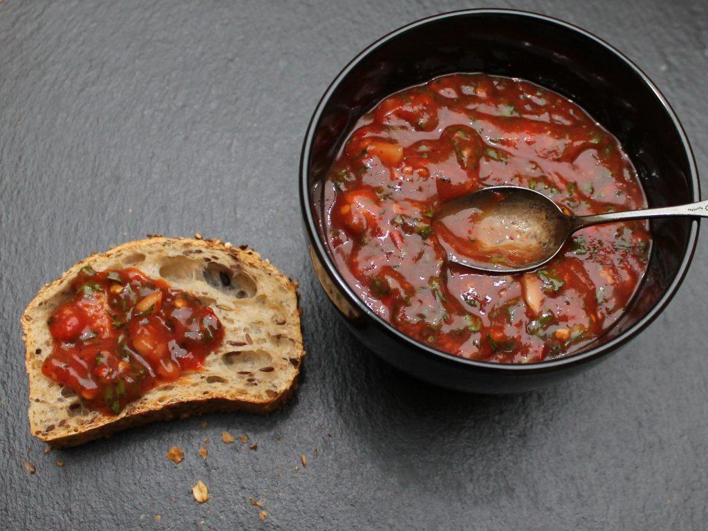 Ketchup-Kräuter-Dip