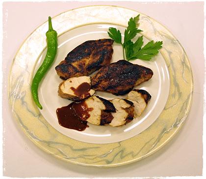 Gegrillte Hähnchenbrust mit Honig-Chipotle-Soße