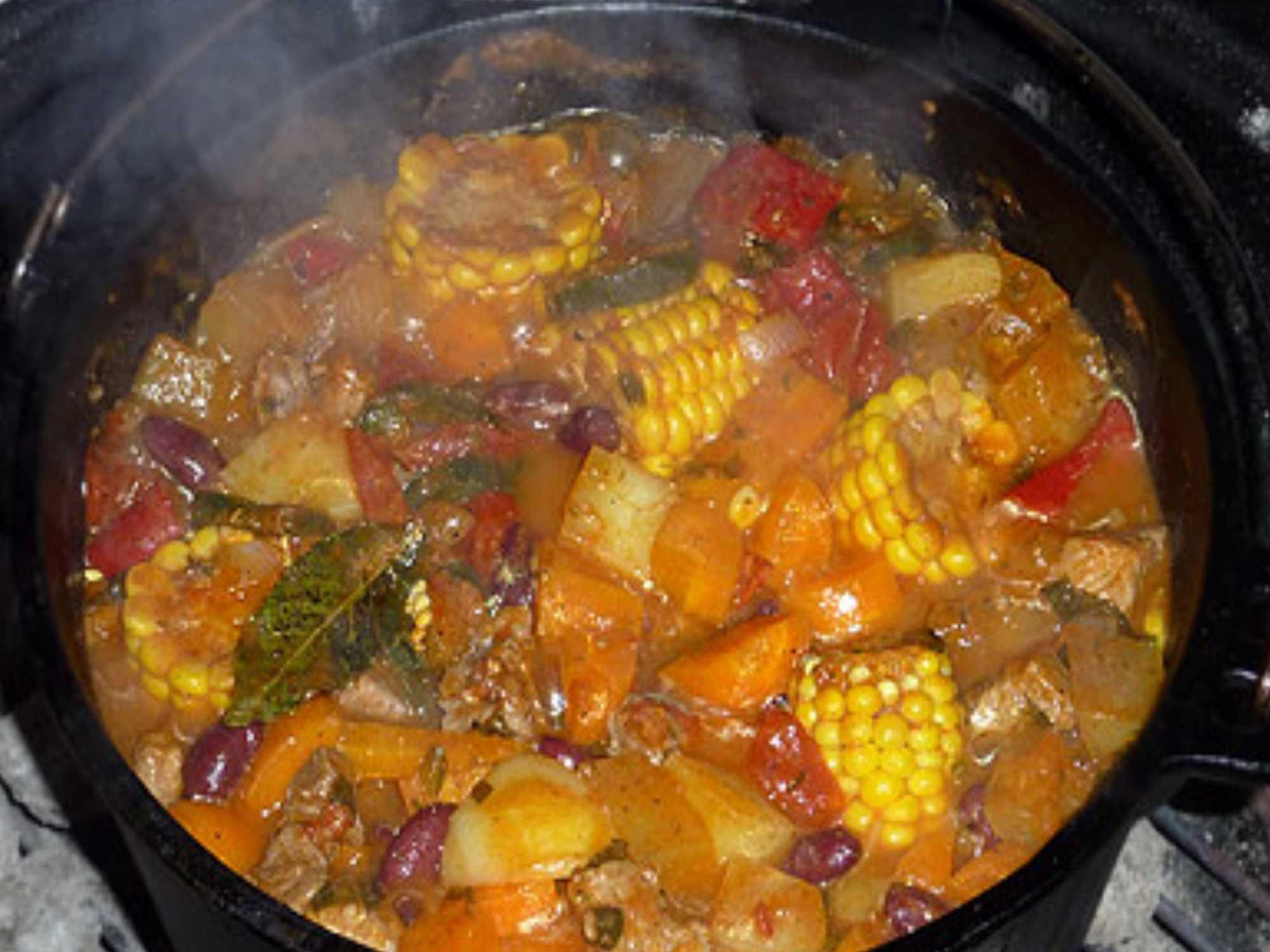 Dutch Oven Rezept: Gemüseeintopf