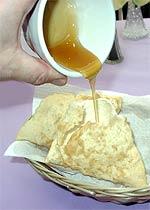Was hilft gegen Schärfe? Sopapilla mit Honig!
