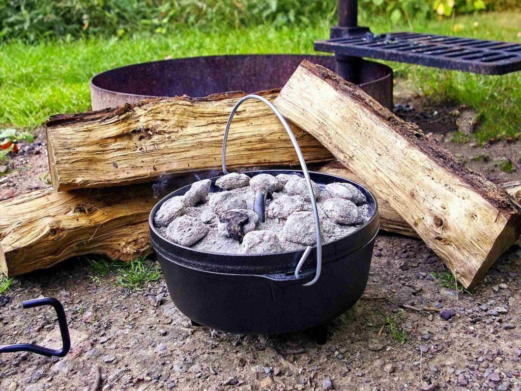 Dutch Oven - draußen kochen und backen