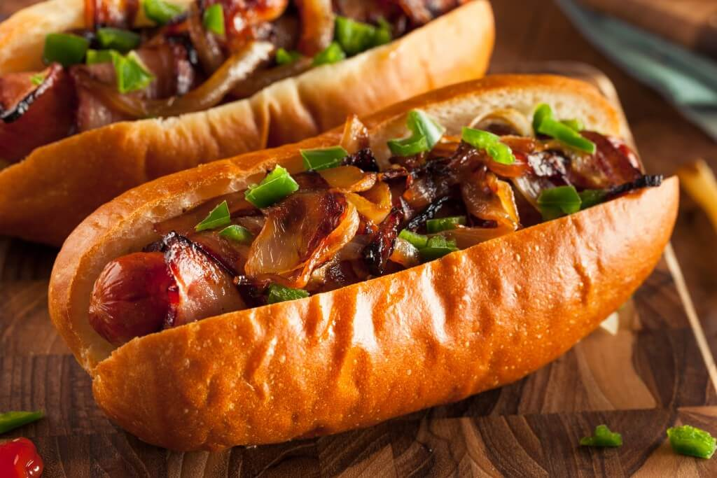 smoky chili bacon cheese hot dogs pepperworld. Black Bedroom Furniture Sets. Home Design Ideas