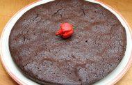 Scharfer Schokoladenkuchen mit Rachenreibe