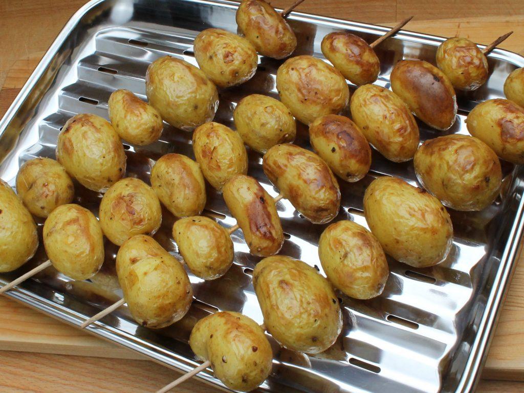 Feurige Kartoffelspieße
