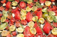 Tomaten rösten, trocknen und in Öl einlegen