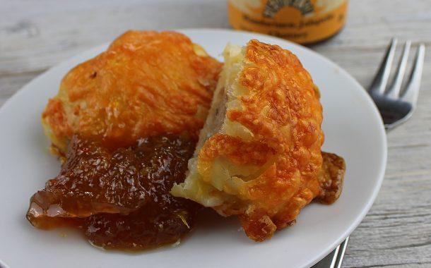 Sausage Rolls mit Mandarinen Jalapeño Chutney